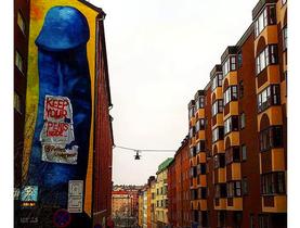 Pintura de pênis gigante causa polêmica: 'Liberdade artística'