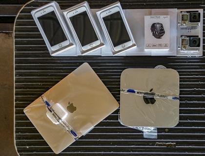 Em leilão da Receita Federal, iPhone modelo Plus sai por R$ 800