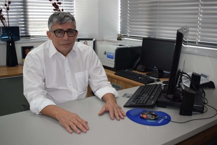 Aécio Magalhães diretor superintendente de uma empresa de cartão de crédito local