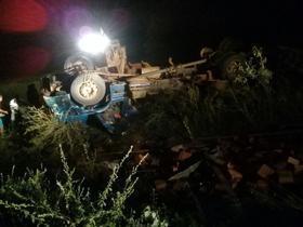 Betania-PI: Acidente com caminhão deixa 2 pessoas mortas e 1 ferido
