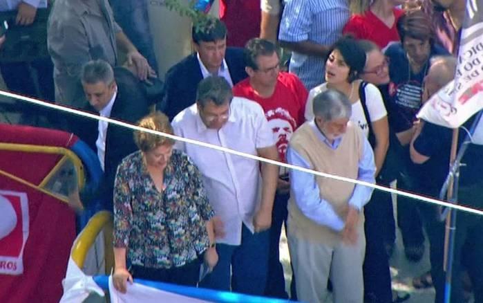 Lula recebe apoio de Dilma Rousseff e do governador Welligton Dias durante missa em homenagem à Marisa Letícia