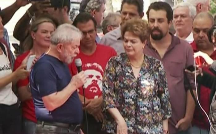 Lula discursa na sede do Sindicato dos Metalúrgicos do ABC