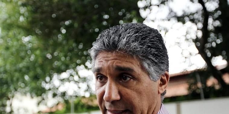 Suposto operador de propinas do PSDB é levado para Tremembé