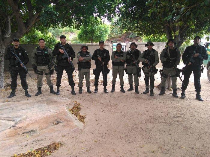 Policiais que participaram das ações (Crédito: Polícia Militar)