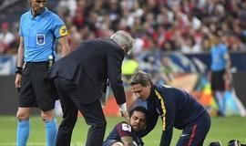 Daniel Alves está fora da Copa do Mundo 2018 por lesão no joelho