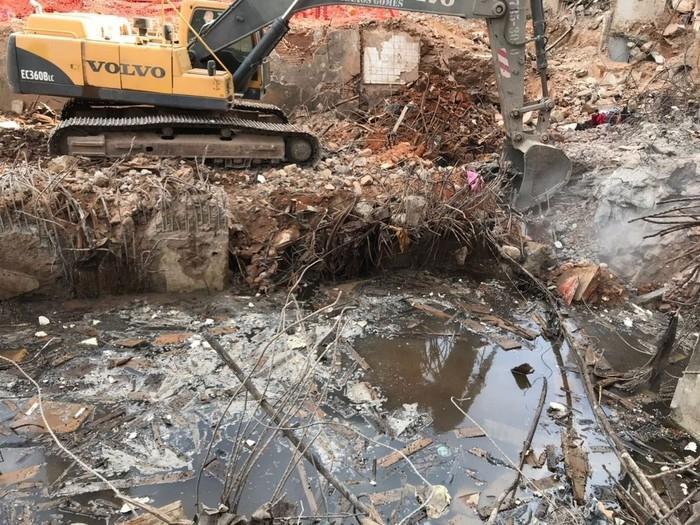 Polícia identifica restos mortais de gêmeos mortos em desabamento de prédio