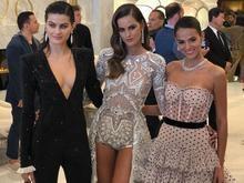 Bruna Marquezine brilha em Cannes ao lado de modelos renomadas