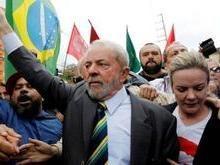 PT afirma que não abrirá mão da candidatura de Lula