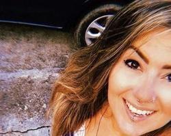 Estilista assassinada ao sair do trabalho é sepultada em Fortaleza