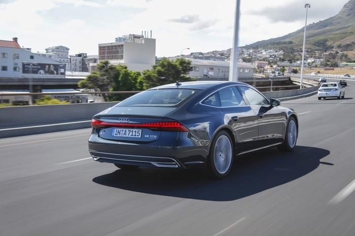 Motor V6 de 340 cv ajuda o Audi A7 a acelerar de 0 a 100 km/h em 5,3 segundos (Crédito: Divulgação)