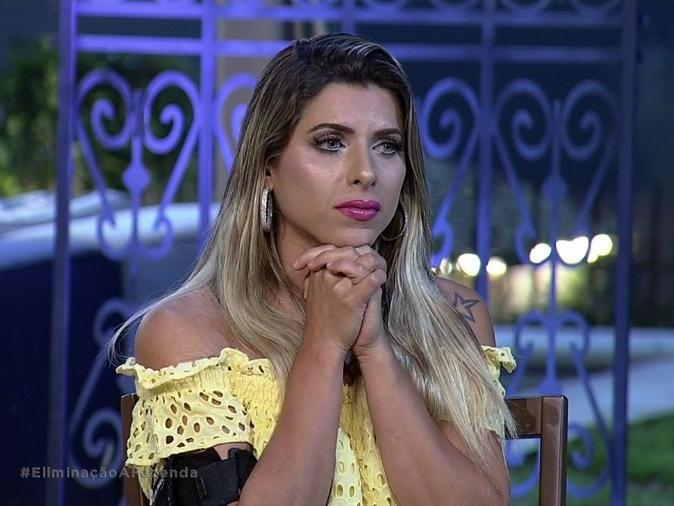 Sonia Abrão debocha de Minerato e ex-panicat responde: 'Ridícula'