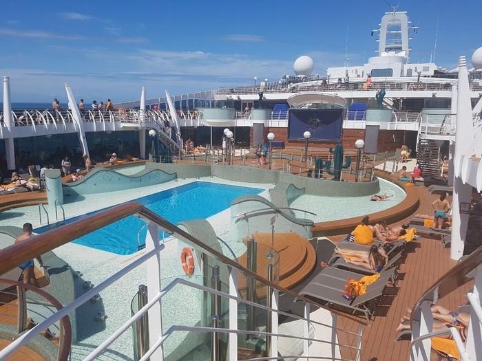 Deck do navio MSC Preziosa  (Crédito: Mariane Rossi/G1)