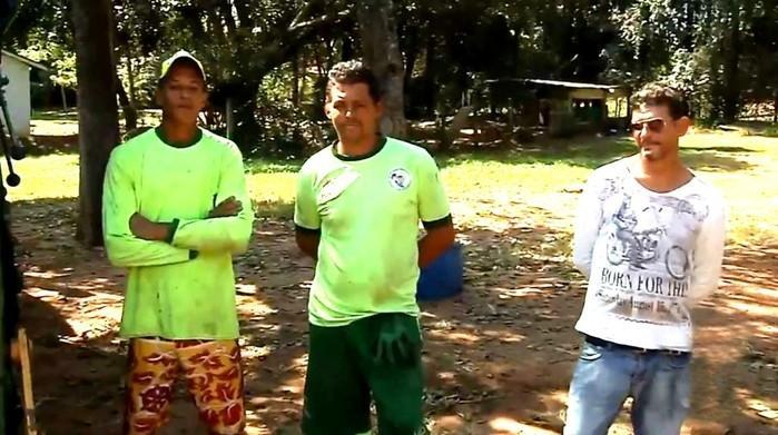 Coletores que ajudaram na recuperação do dinheiro (Crédito: TV TEM/Reprodução)