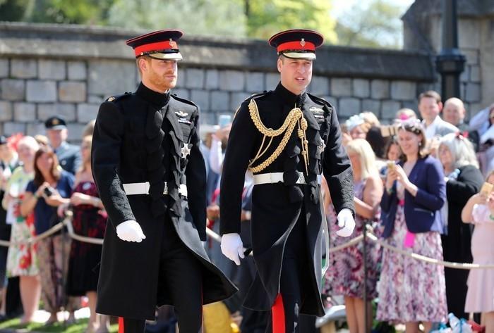 Príncipe Harry e príncipe William (Crédito: Gareth Fuller/Pool via Reuters)
