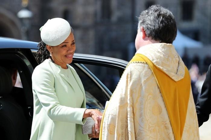 Doria Ragland, mãe de Meghan Markle (Crédito: Gareth Fuller/Pool via Reuters)