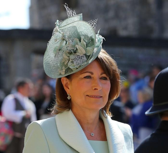 Carole Middleton, mãe de Kate Middleton, duquesa de Cambridge  (Crédito:  Gareth Fuller/Pool via REUTERS) )