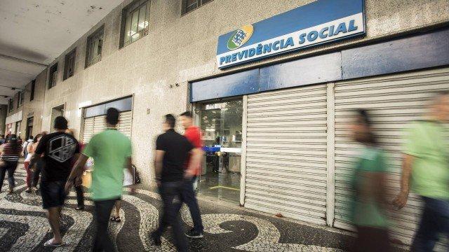 Agência do INSS: ideia é desafogar atendimento nas unidades com a concessão automática (Crédito:  Ana Branco)