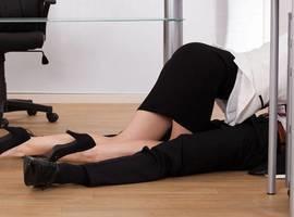 Mulheres relatam suas experiências de fazer sexo no trabalho