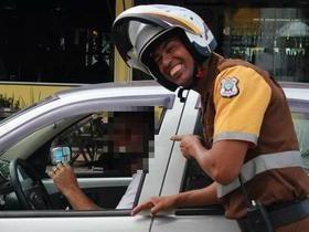 Agente de trânsito é preso por multar rivais de facção criminosa