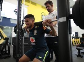 Sem Douglas Costa e Neymar, Taison vira opção para amistoso