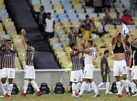 Fluminense assume liderança do Brasileirão após vencer Chapecoense
