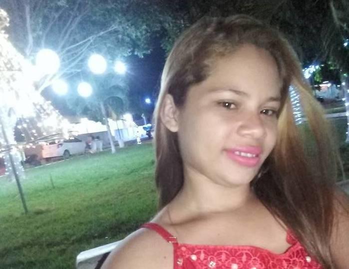 Roseli Alves de Sousa, assassinada a tiros em Joaquim Pires (Crédito: Facebook/Reprodução )