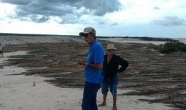 Herbert Silva acompanha de perto ação de contenção das dunas.