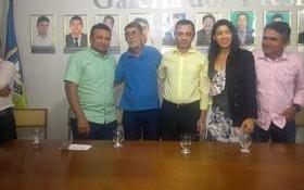 Prefeito Herbert Silva assina termo do Projeto Mirim Cidadão.