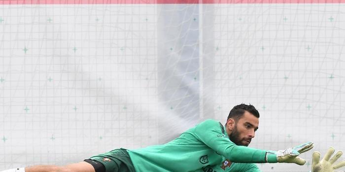 Goleiro da seleção de Portugal pode ir para o Barcelona, diz Jornal