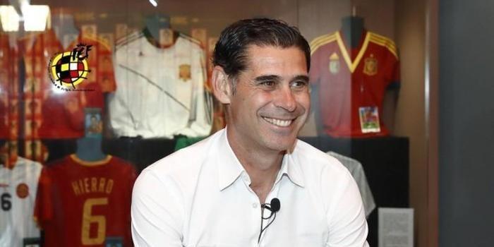Fernando Hierro é escolhido para comandar a Espanha na Copa