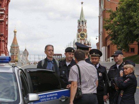 Ativista LGBT é detido em Moscou 'por protestar durante a Copa'