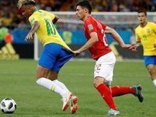 Zagueiro suíço posta foto puxando Neymar e provoca: 'Parou aqui'