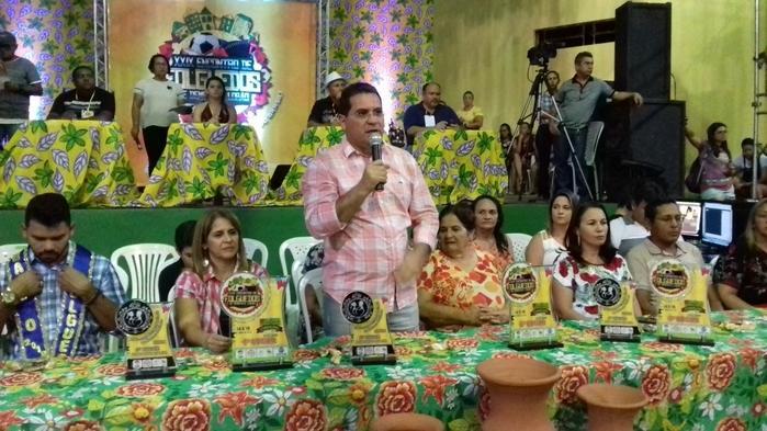 Prefeito Júnior Carvalho em pronunciamento no XXIX Encontro de folguedos da cidade
