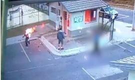 Homem joga gasolina em rosto de porteiro e coloca fogo na vítima