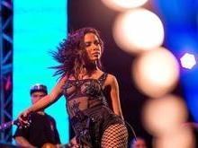 Anitta atinge o ápice da carreira e faz turnê pela Europa