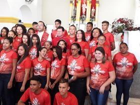 Muita emoção e fé na Missa de Crisma em Monsenhor Gil