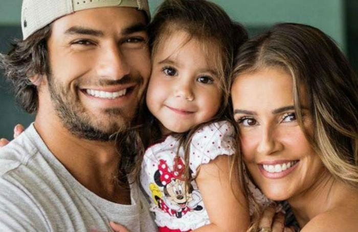Hugo e Deborah são pais da pequena Maria Flor