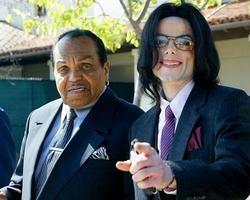 Aos 89 anos, morre pai do cantor Michael Jackson