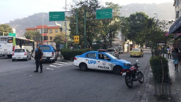 Intenso tiroteio assusta moradores no entorno do Morro dos Macacos  (Crédito: Guilherme Peixoto / TV Globo)