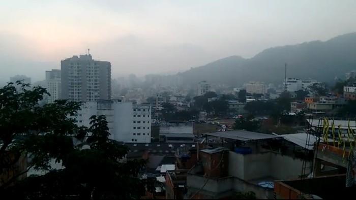 ntenso tiroteio assusta moradores no entorno do Morro dos Macacos  (Crédito: Reprodução/ Redes Sociais)
