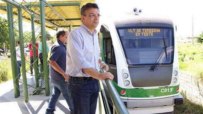 O primeiro Veículo Leve sobre Trilhos (VLTs) de Teresina começou a operar na capital nessa segunda-feira (4).  (Crédito: Divulgação/Setrans)