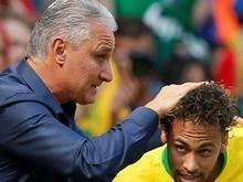 Após vitória, Tite se incomoda com ação de patrocinador de Neymar
