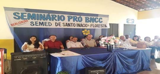 Secretaria Municipal de Educação realiza seminário com professores