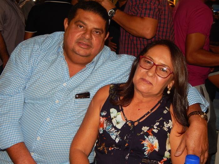 Pedro Mariano e esposa