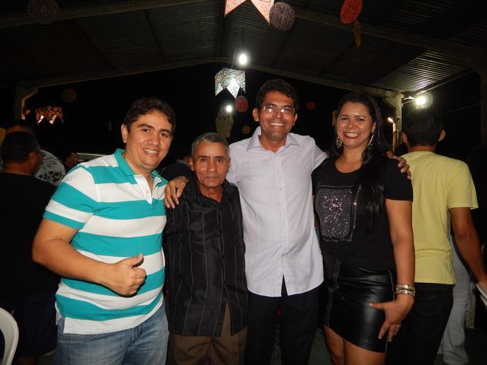 Vereador Ernando Mariano com amigos