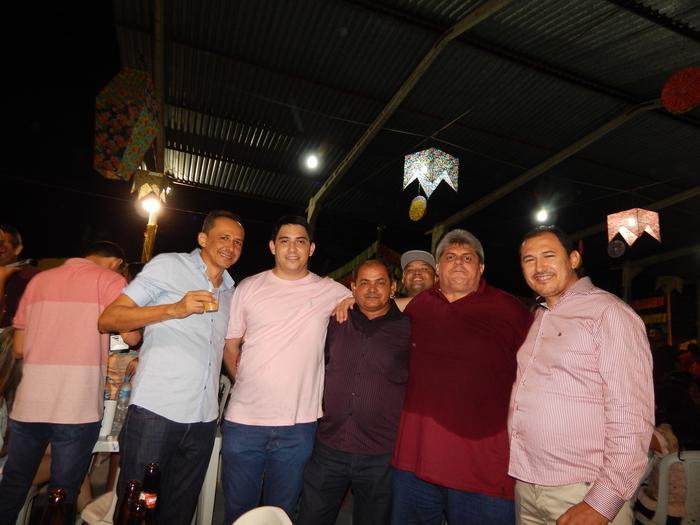Valdinar Mariano e amigos