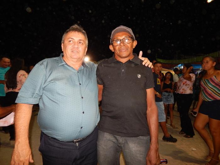 Lucas Moura e amigo