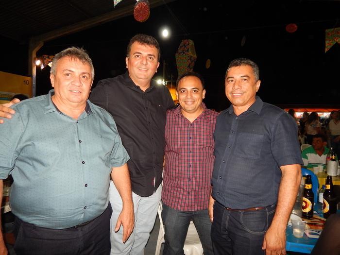 Empresário Evandro Mariano,Lucas Moura,Joãozinho e amigo