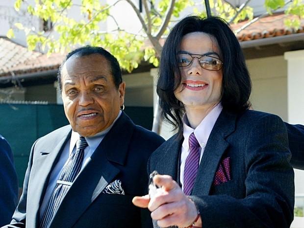 Michael Jackson e Joseph Jackson (Crédito: Getty Images)