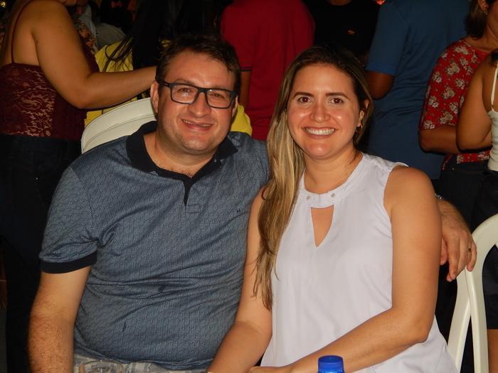 Luiz Antonio e sua esposa curtindo o aniversario de sua cidade